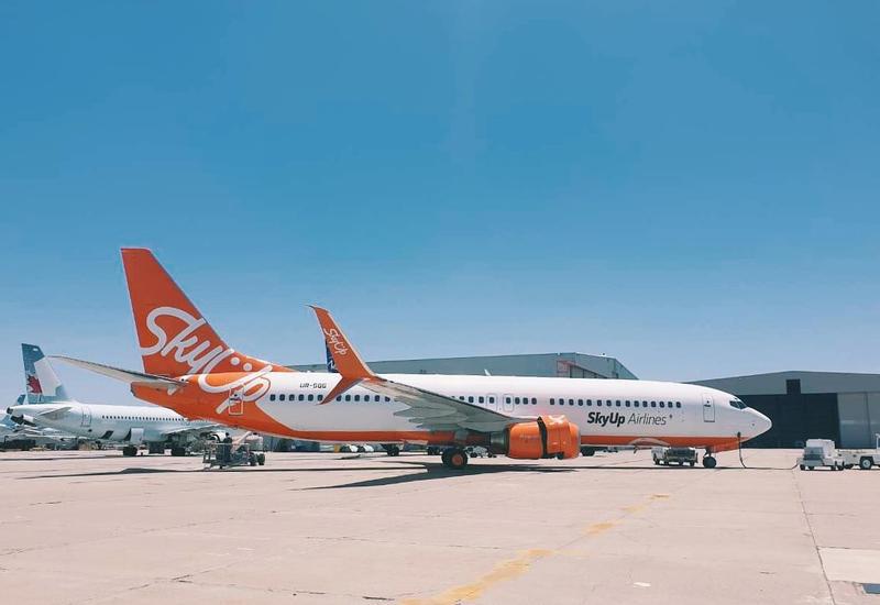 Украинская SkyUp отменяет рейсы в ОАЭ