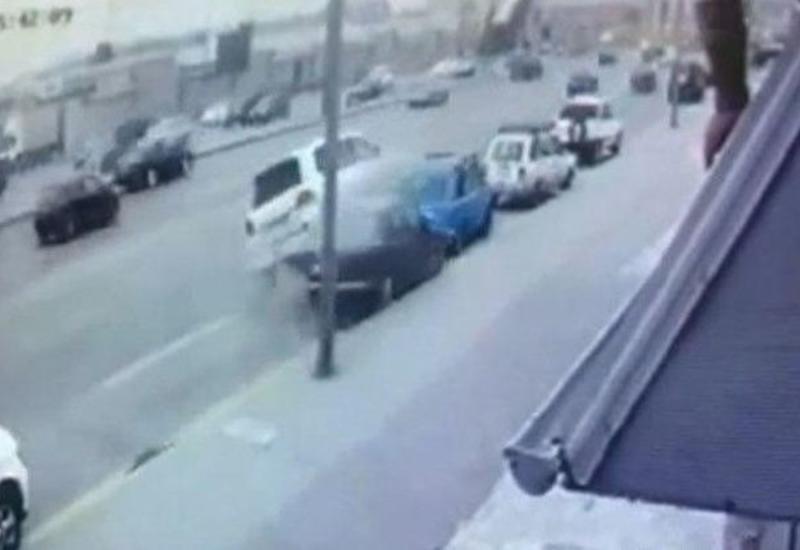 "Тяжелое ДТП в Баку: ""Toyota"" протаранила 4 автомобиля"