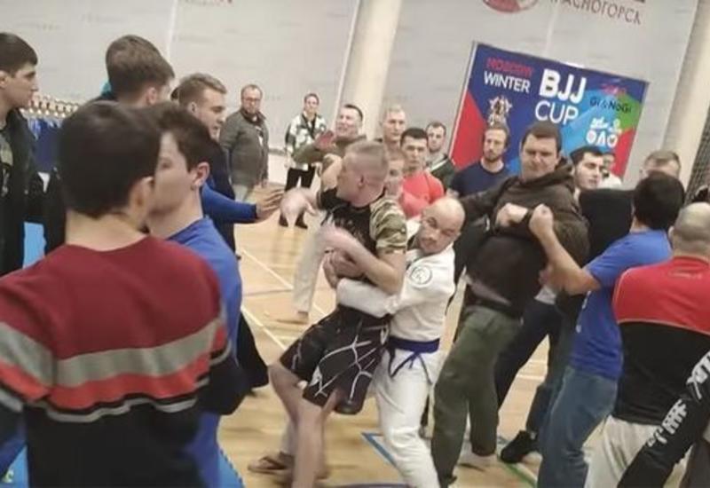 Соревнования в России завершились массовой дракой