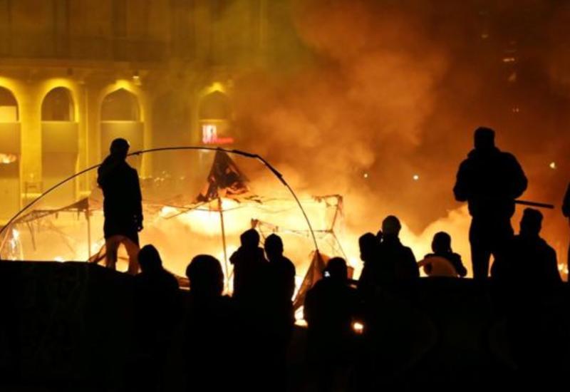 Массовые беспорядки в Бейруте, больше сотни пострадавших