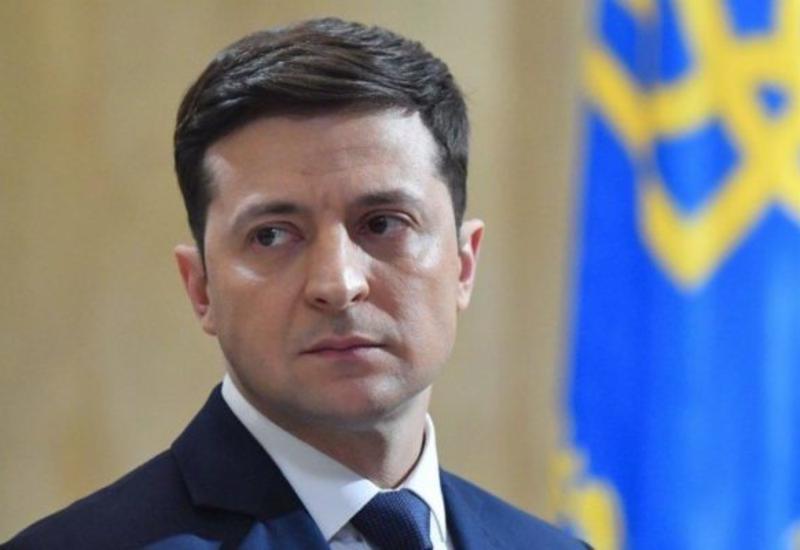 Ukrayna prezidenti təyyarədə ölənlərin cəsədini belə qarşıladı: Matəm musiqisi və İran bayrağı