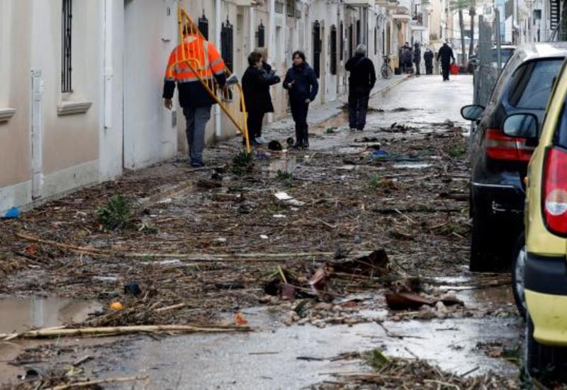 Число погибших от непогоды в Испании увеличилось до трех человек