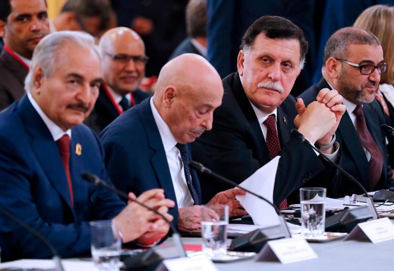 Хафтар и Саррадж выразили готовность решить нефтяную проблему в Ливии