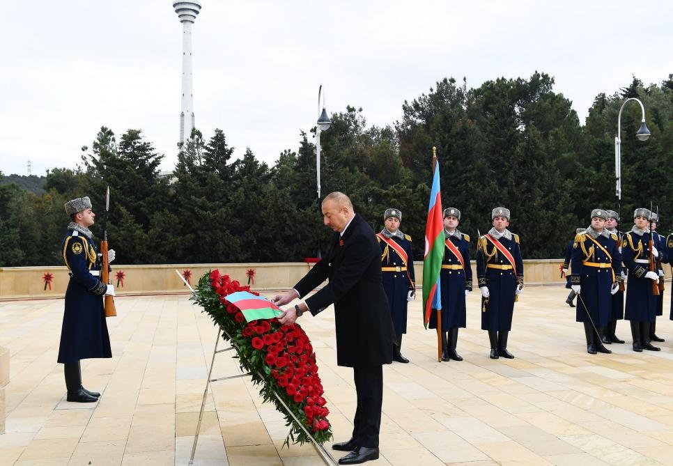 Президент Ильхам Алиев и Первая леди Мехрибан Алиева почтили светлую память шехидов 20 Января