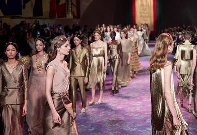 """Новое феминистское высказывание в коллекции Dior Haute Couture <span class=""""color_red"""">- ФОТО</span>"""