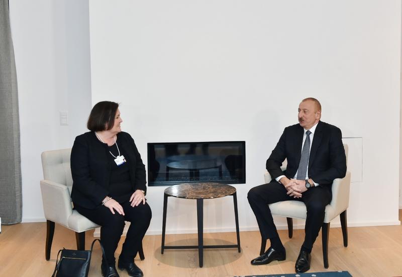 Президент Ильхам Алиев встретился в Давосе с исполнительным вице-президентом и генеральным финансовым директором компании CISCO