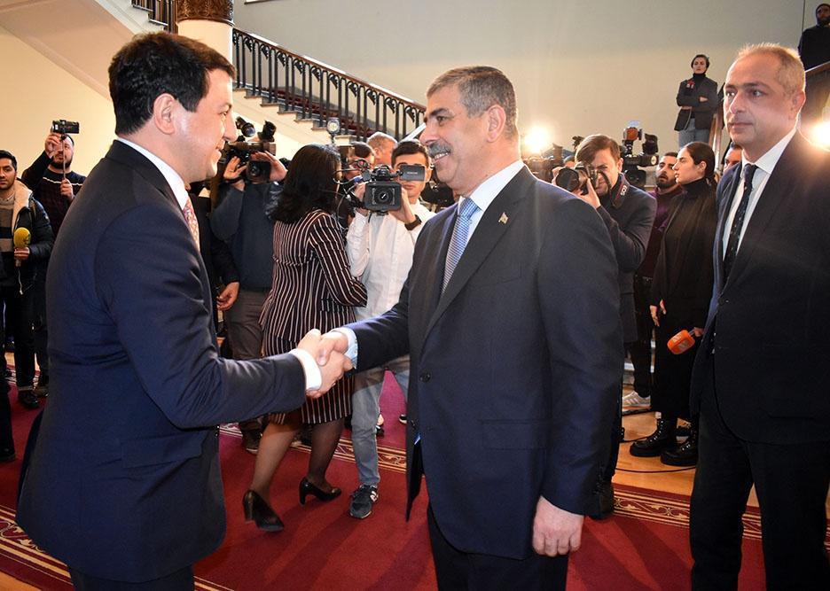 Закир Гасанов провел переговоры со спикером парламента Грузии