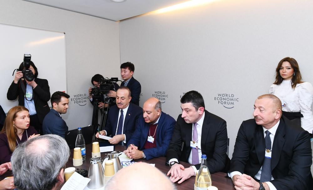 Президент Ильхам Алиев принял участие в заседании в рамках Всемирного экономического форума. Обсуждено сотрудничество между странами Евразии