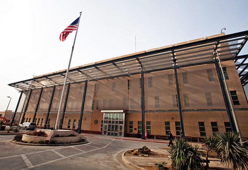 Посольство США в Ираке огородили бетонными блоками