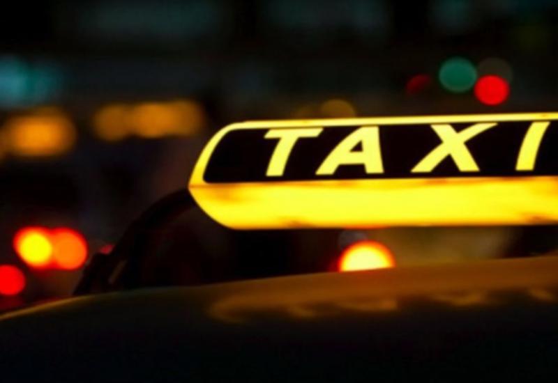 В Азербайджане запретили брать в такси больше двух пассажиров