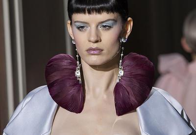 """Кукольные платья на показе Valentino <span class=""""color_red"""">- ФОТО</span>"""