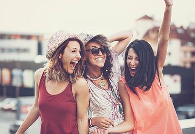 Сколько часов нужно провести вместе, чтобы стать лучшими друзьями?