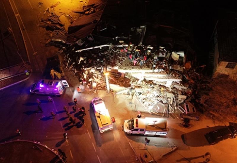 Число пострадавших при землетрясении в Турции превысило тысячу человек