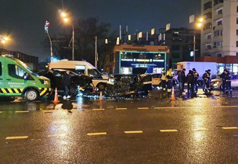Смертельное ДТП с участием шести машин произошло в Москве