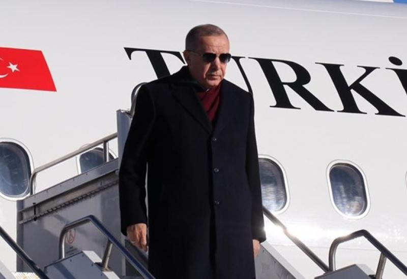 Эрдоган прибыл в зону землетрясения на востоке Турции