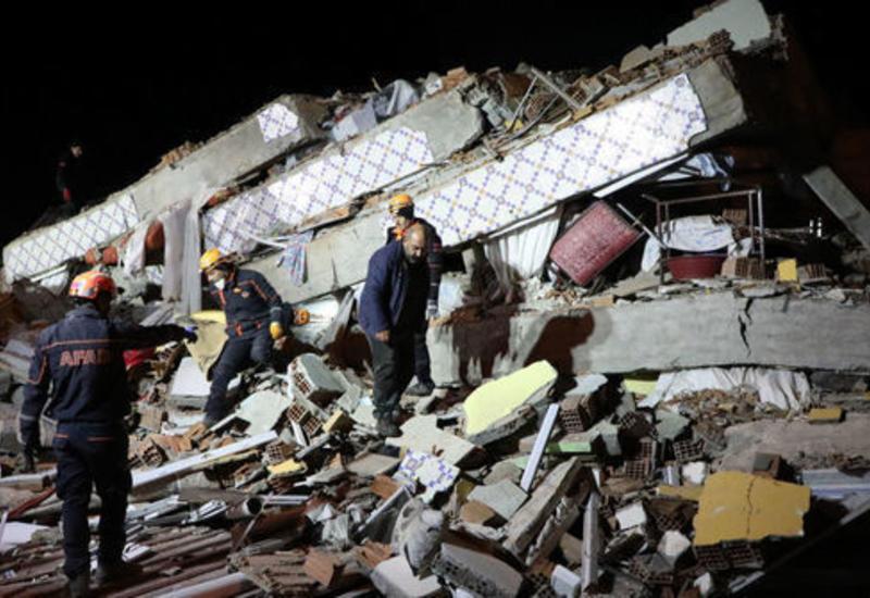 Новые кадры мощного землетрясения в Турции