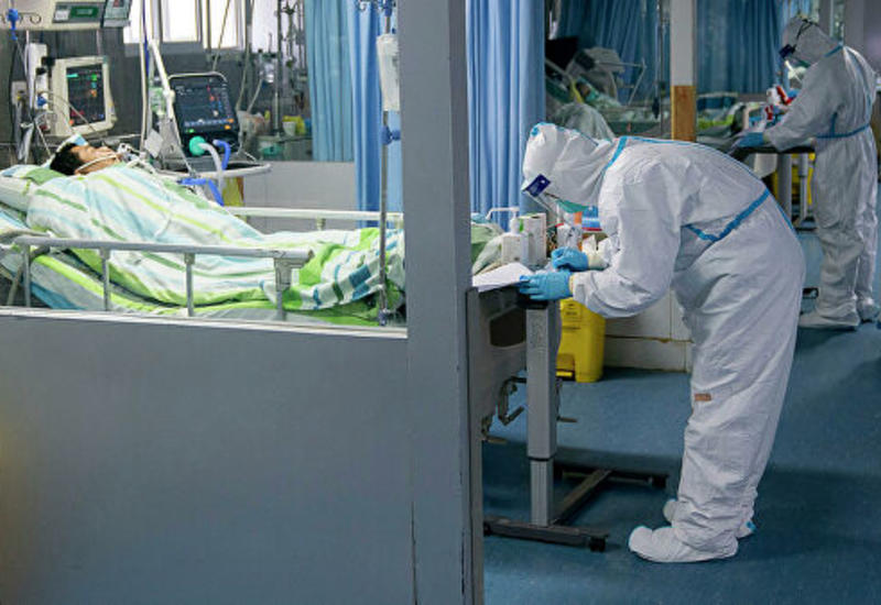 В Китае заявили об усилении способности коронавируса к передаче