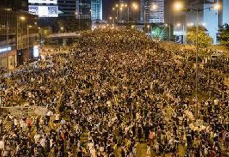 Жители Гонконга протестуют против карантина