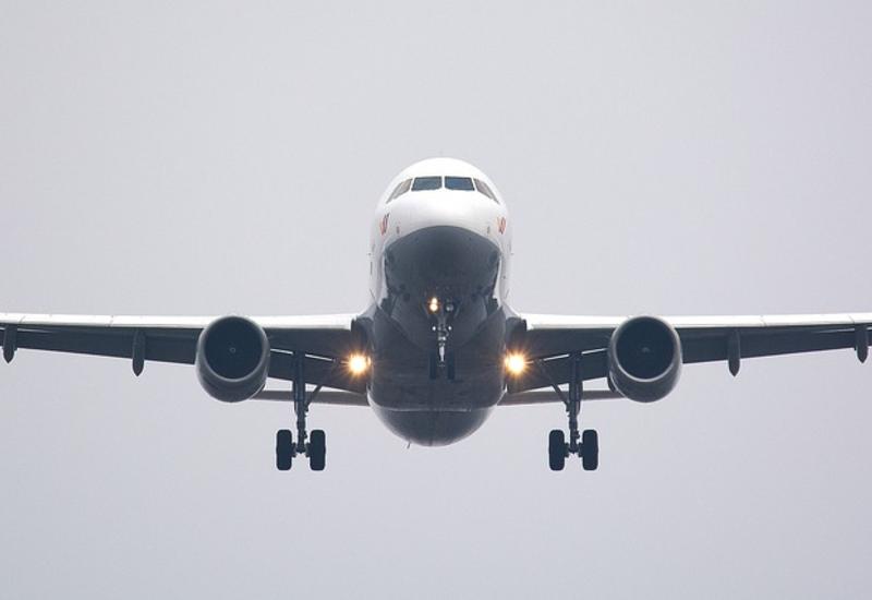 Студенты, эвакуированные из зоны землетрясения в Турции, доставлены самолетом из Нахчывана в Баку