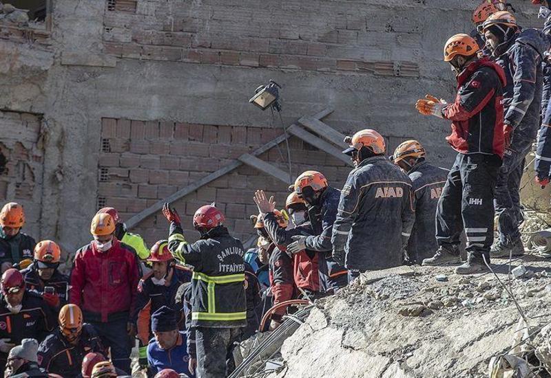 Азербайджанская семья чудом спаслась во время землетрясения в Турции