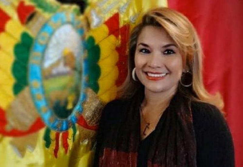 И.о. президента Боливии попросила всех министров подать в отставку