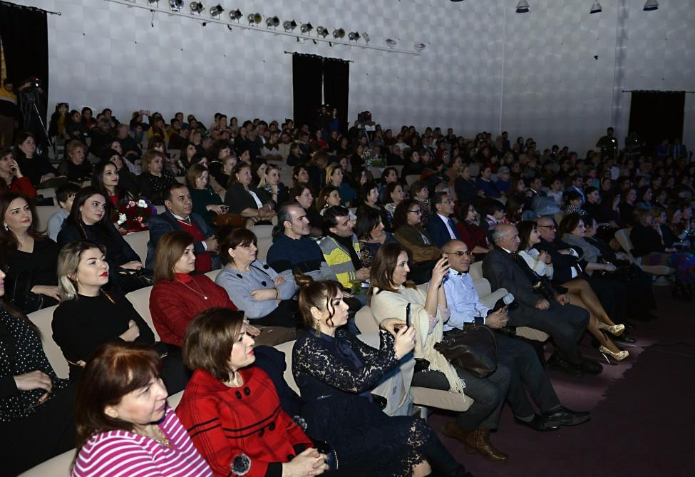 В Баку ярко отметили 70-летие актрисы Алмаз Мустафаевой