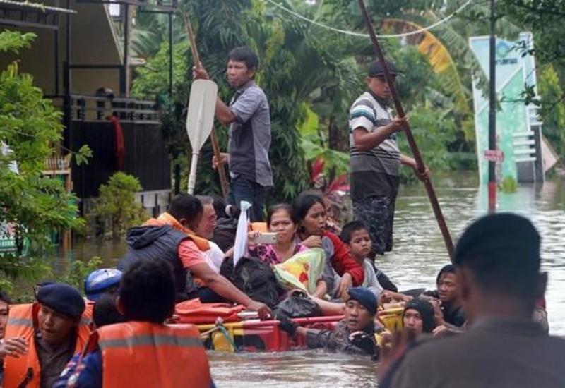 Наводнения в Индонезии, есть погибшие