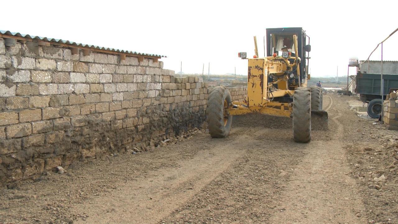 В ряде бакинских поселков заасфальтированы более 130 улиц
