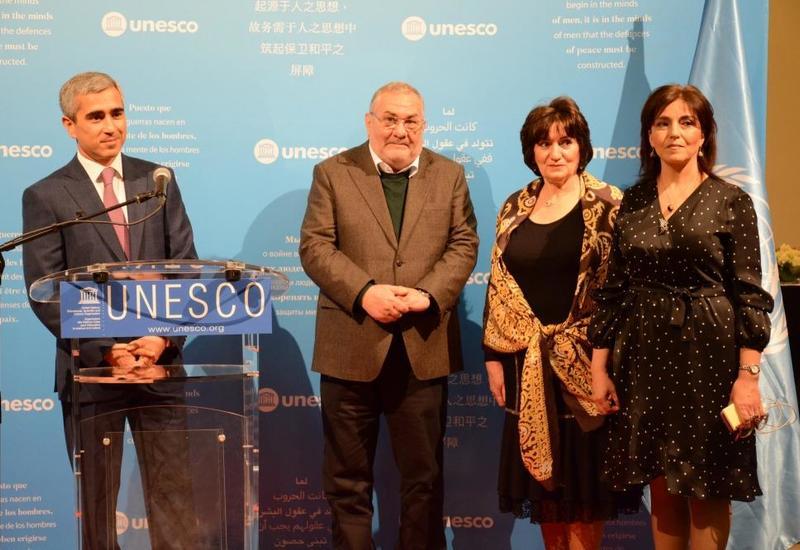 При организации Фонда Гейдара Алиева в штаб-квартире ЮНЕСКО открылась выставка азербайджанских ковров