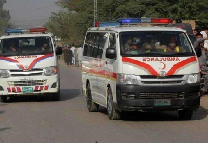 Тяжелое ДТП с маршруткой в Пакистане, много погибших