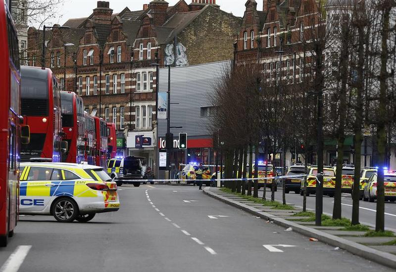 Встолице Англии  произошел страшный  теракт, есть раненые: появилось видео сместа происшествия