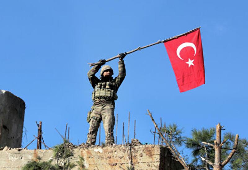 Турция продолжает перебрасывать бронетехнику в Идлиб