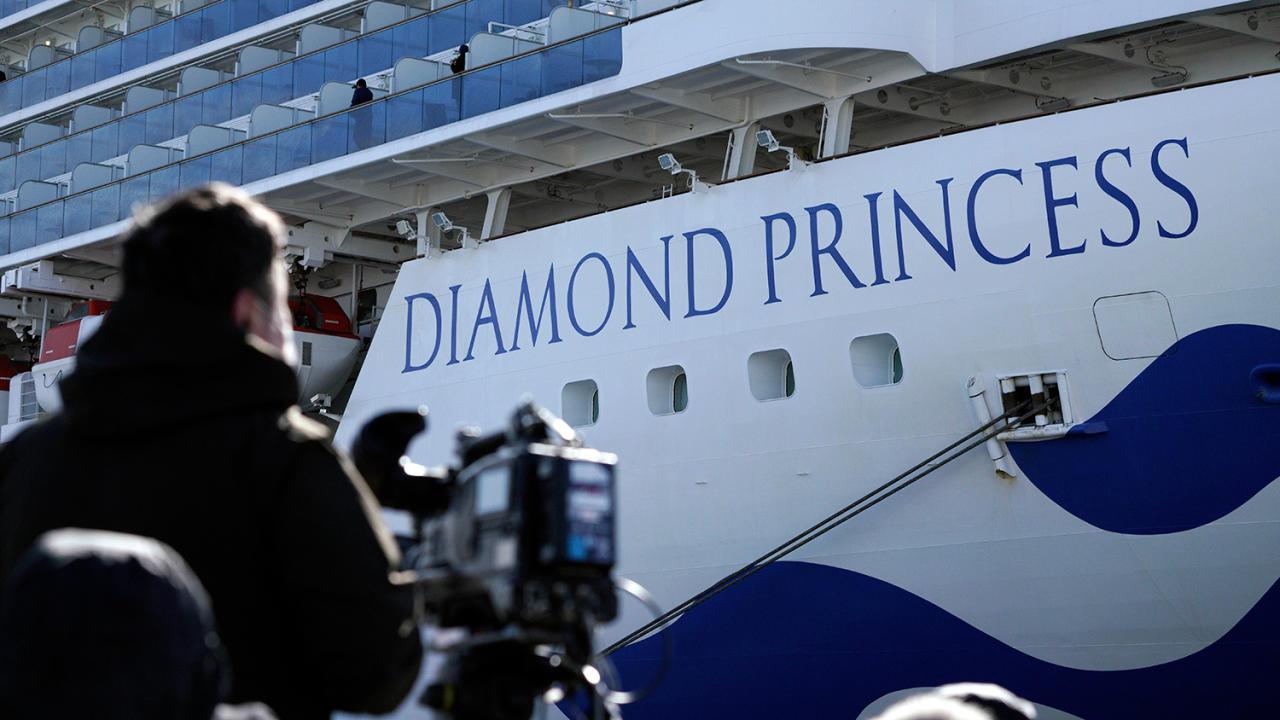 Карантин на Diamond Princess: число зараженных выросло в 3 раза