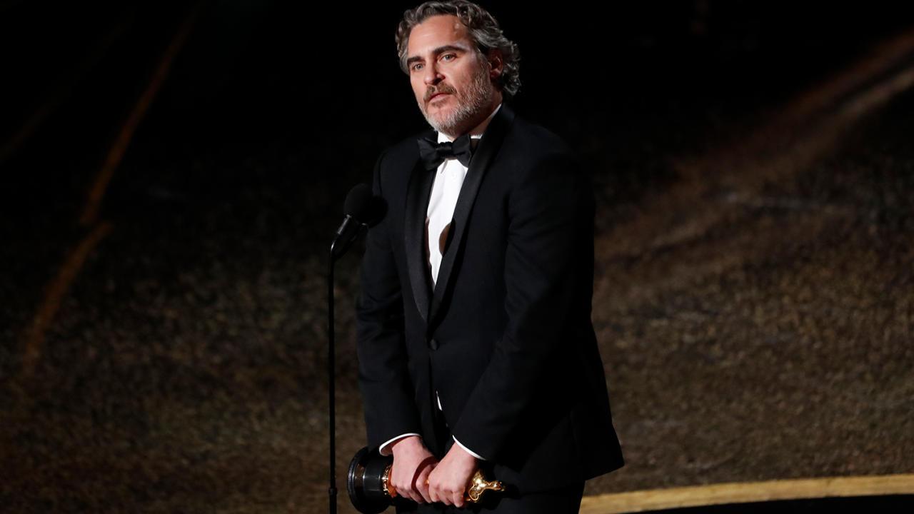«Оскар-2020»: Звезды на красной дорожке и лучшие моменты