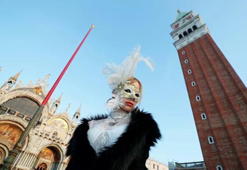 """""""Игра, любовь и безумие"""": в Венеции открылся карнавал"""
