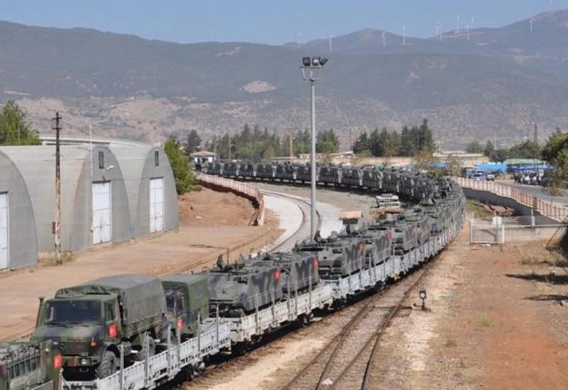 Турция перебрасывает бронетехнику и спецназ к Идлибу