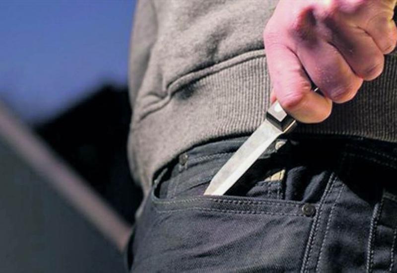 В Баку водитель автобуса ранил ножом диспетчера