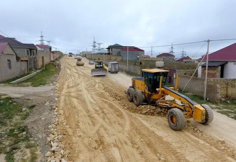 На территории Абшеронского района комплексно ремонтируются дороги
