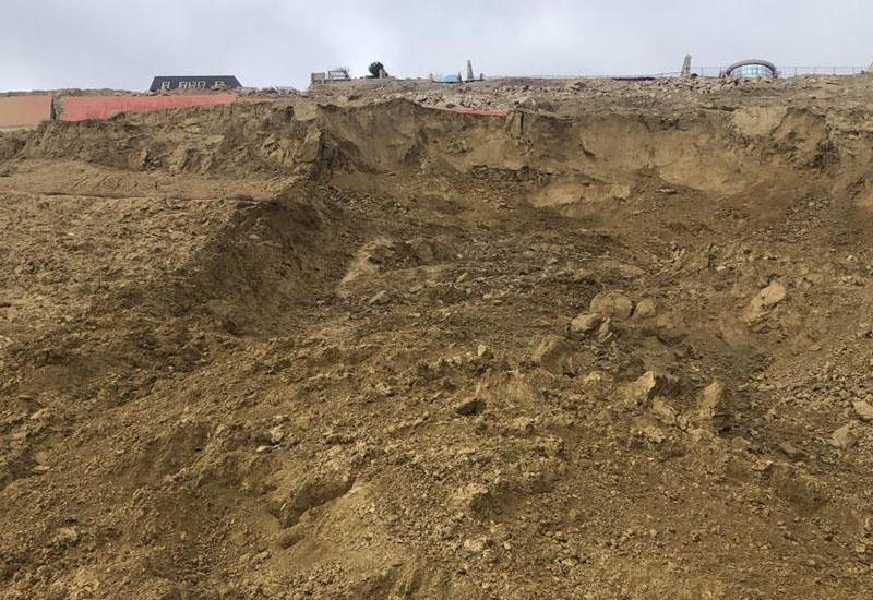 Минэкологии рассказало о причинах оползня в поселке Бадамдар