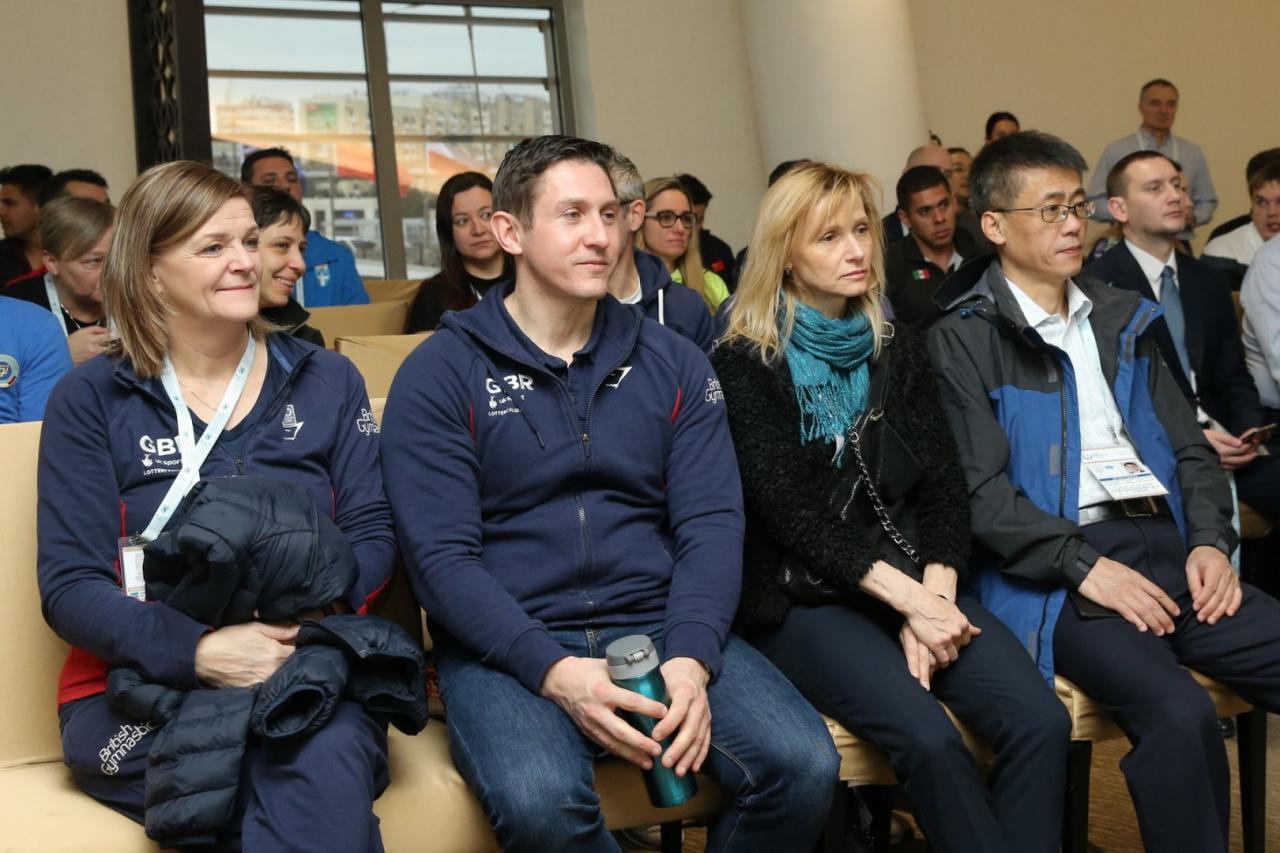 В Баку состоялась встреча делегаций Кубка мира по прыжкам на батуте и акробатической дорожке