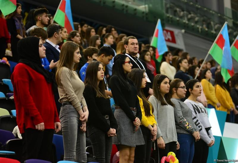 Участвуй в викторине и выиграй приз – сюрприз для зрителей Кубка мира по прыжкам на батуте и акробатической дорожке в Баку