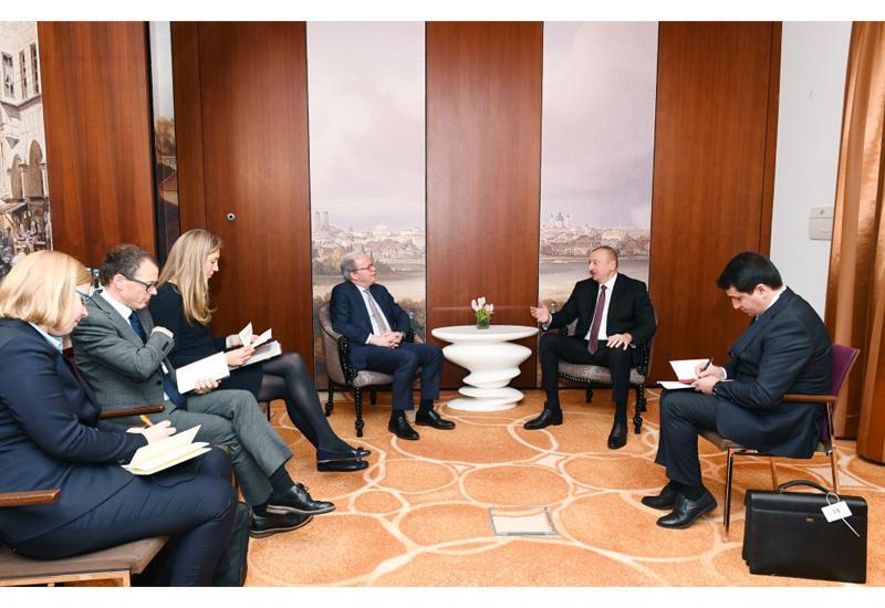 Президент Ильхам Алиев встретился в Мюнхене с исполнительным директором Всемирного банка