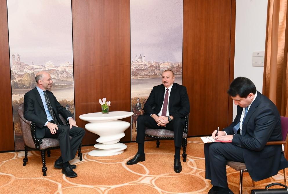 Президент Ильхам Алиев встретился в Мюнхене с президентом и генеральным исполнительным директором Международной кризисной группы