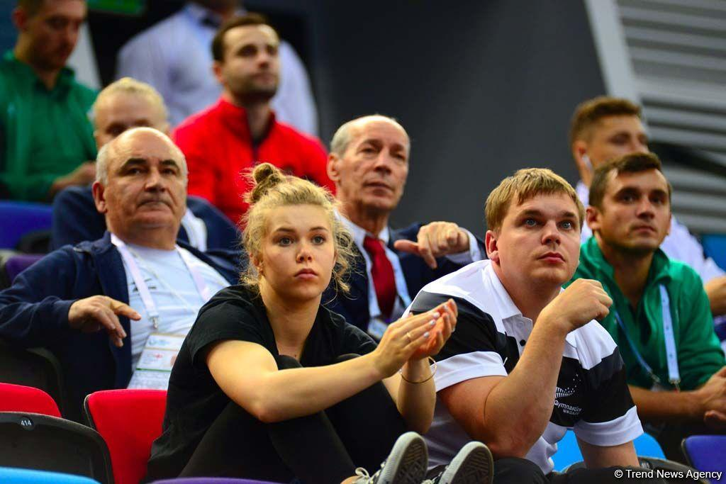 Эмоции болельщиков на Кубке мира по прыжкам на батуте и акробатической дорожке в Баку