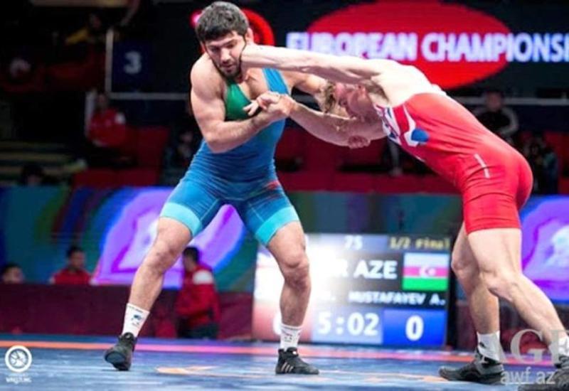Азербайджанский борец завоевал серебро на чемпионате Европы
