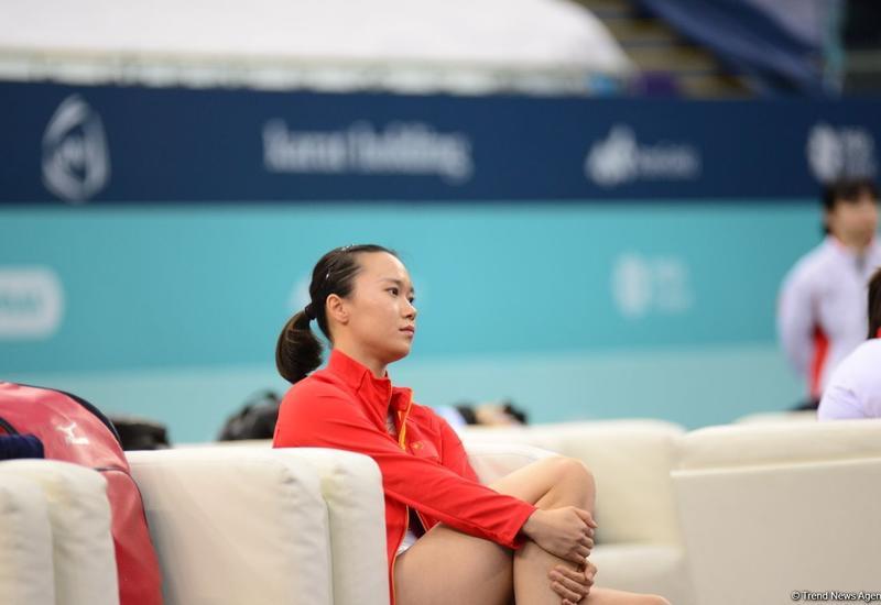 Гимнастка из Китая стала лучшей в индивидуальной программе по прыжкам на батуте в рамках Кубка мира в Баку