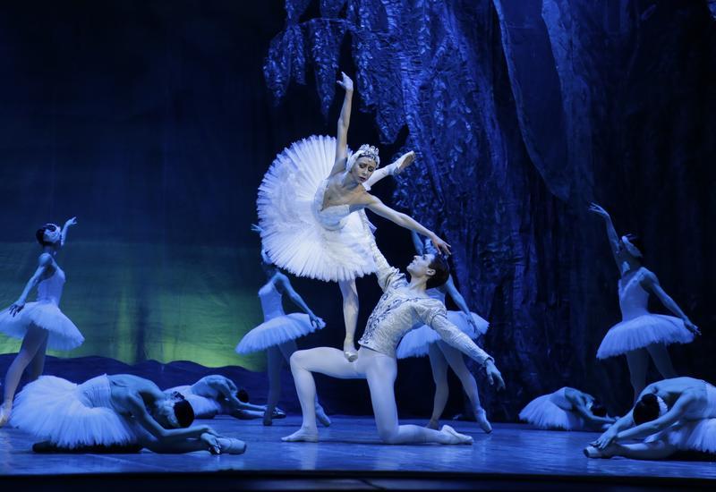 """Грандиозный показ """"Лебединого озера"""" в Театре оперы и балета"""