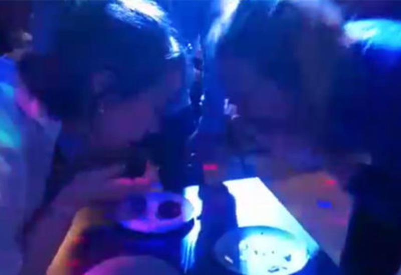 Момент гибели москвички на конкурсе по поеданию пирожных попал на камеры