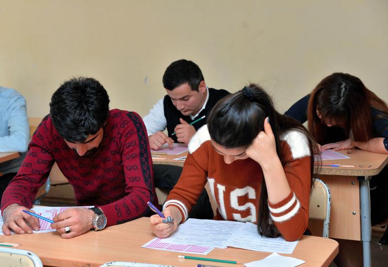 Учащиеся заведений профобразования сдали экзамен по азербайджанскому языку