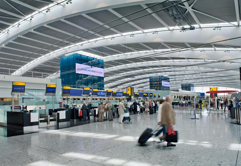 В аэропорту Лондона отменено более 200 рейсов